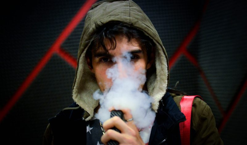 7 Things You Need To Know While Using Vapes