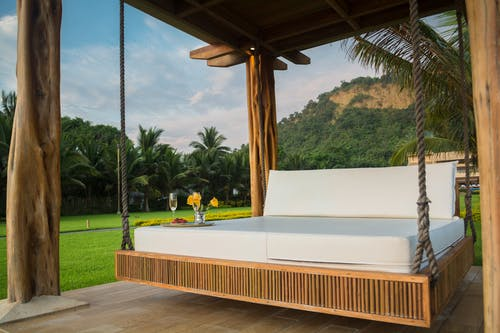5 Factors to Consider Before Buying Mattresses