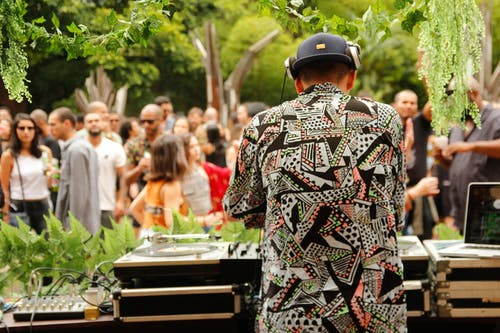 Should You Invest In A Wedding DJ? Know From The Experts